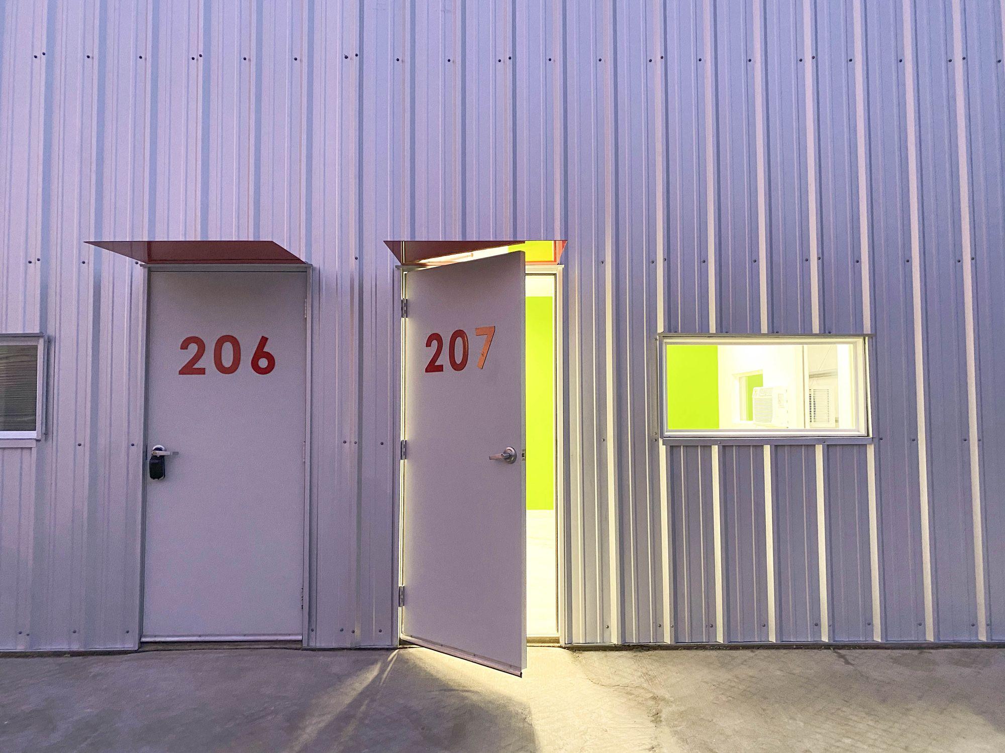 satterwhite business park lease space